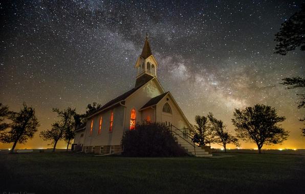 Картинка небо, звезды, церковь, млечный путь