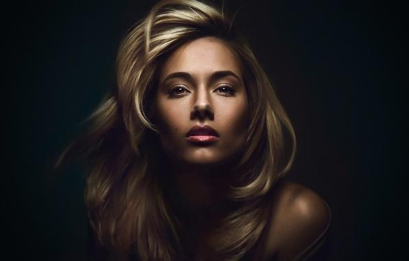 Картинка девушка, портрет, блондинка, тёмный фон, Юлия