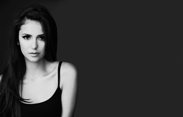 Картинка глаза, взгляд, девушка, лицо, волосы, актриса, губы, черно-белое, цепочка, красивая, Nina Dobrev, Нина Добрев, серый …