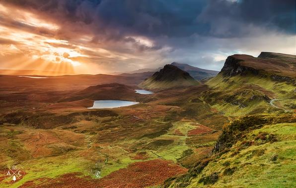 Картинка небо, солнце, облака, лучи, свет, горы, холмы, вечер, долина, Шотландия, остров Скай, область Хайленд