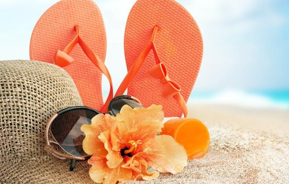 Картинка песок, море, пляж, лето, отдых, шляпа, очки, summer, beach, sun, glasses, сланцы, vacation, accessories