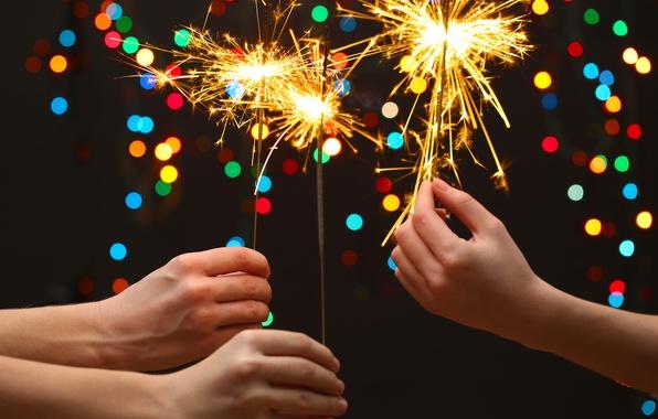 Картинка дети, lights, огни, руки, new year, боке, bokeh, Merry Christmas, бенгальские огни, hands, Счастливого Рождества, …