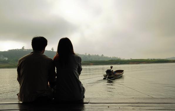Картинка море, вода, девушка, любовь, река, тепло, фон, widescreen, обои, романтика, настроения, женщина, лодка, чувства, пара, …