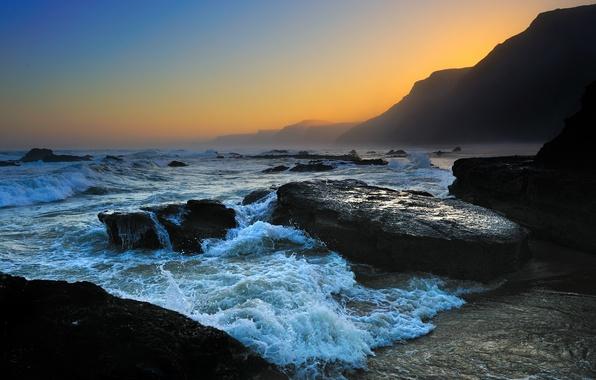 Картинка море, волны, небо, пена, вода, капли, горы, природа, скала, камни, океан, скалы, берег, побережье, камень, …