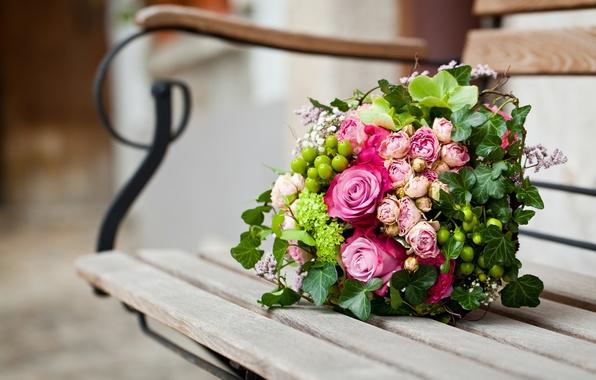 Картинка цветы, скамейка, розы, букет, лавочка, лавка, розовые, листочки