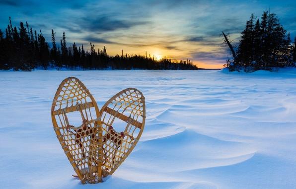 Картинка зима, снег, закат, Канада, Онтарио, Canada, Ontario, Тандер-Бей, снегоступы, Thunder Bay, Озеро Верхнее, Lake Superior