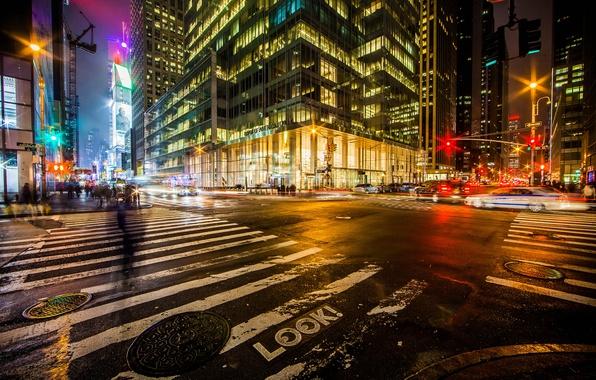 Картинка дорога, машины, ночь, город, огни, люди, Нью-Йорк, выдержка, перекресток, USA, США, Манхэттен, улицы, New York, …