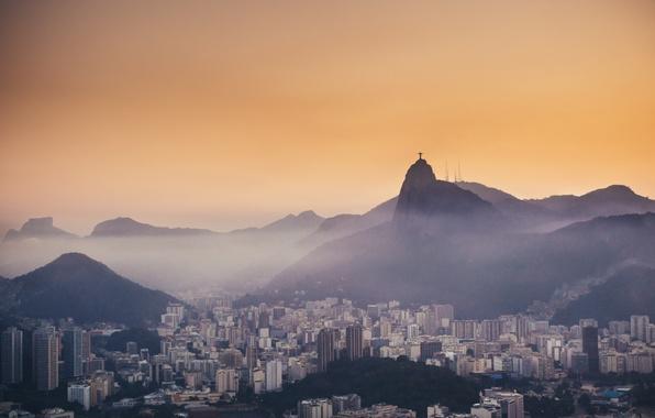 Картинка горы, туман, вечер, Рио-де-Жанейро, mountains, evening, fog, Rio de Janeiro, Христос, Christ, Корковадо, Corcovado, Botafogo, …