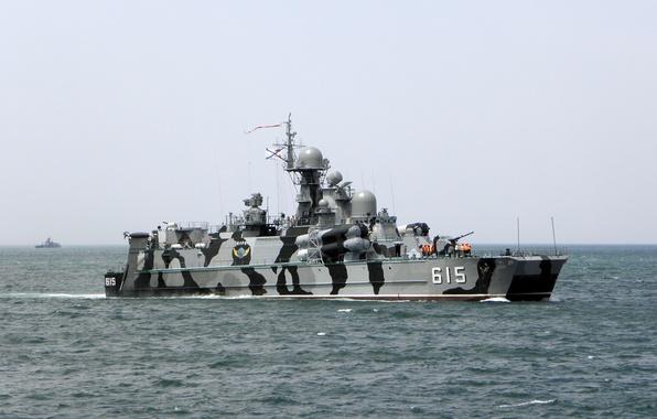 Картинка море, камуфляж, на воздушной подушке, ВМФ России, Андреевский флаг, Черноморский флот, Ракетный корабль, Бора