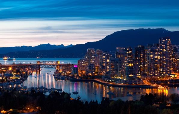 Картинка море, небо, пейзаж, горы, мост, город, дома, корабли, вечер, порт, панорама, vancouver canada, огни ., ...