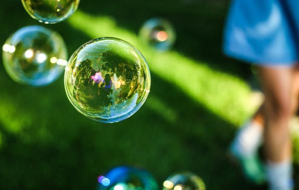 Картинка пузыри, bubbles, grass, reflection, мыльные, outdoors