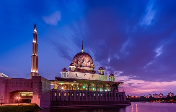 Картинка небо, облака, закат, тучи, lights, пролив, вечер, освещение, мечеть, пурпурный, sky, sunset, clouds, evening, Малайзия, …