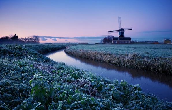 Картинка зима, иней, поле, небо, деревья, рассвет, утро, мельница, Нидерланды, синее, сиреневое