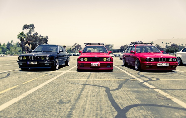 Картинка улица, бмв, BMW, red, black, трио, street, E34, E30, 3 серия, 325i, красные. черная