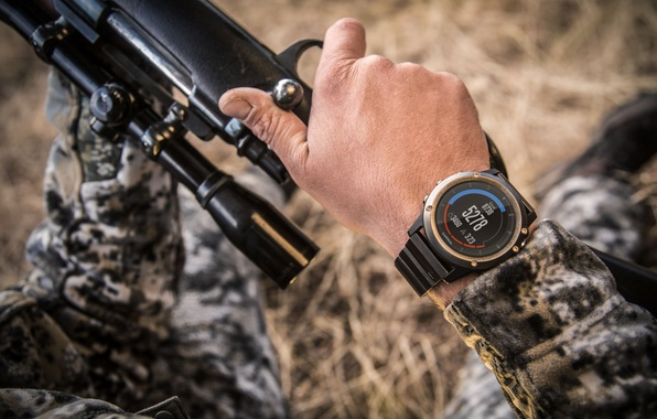Фото обои camouflage clothing, Smartwatch, rifle