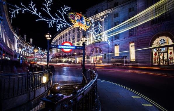 Картинка зима, дорога, свет, ночь, город, огни, люди, метро, улица, Англия, Лондон, здания, дома, выдержка, Великобритания, …