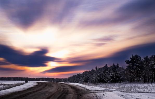 Картинка зима, дорога, лес, небо, трава, облака, свет, снег, деревья, закат, природа, Солнце, красота, Morgendorffer