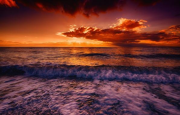 Картинка море, волны, небо, тучи, берег, прибой, зарево