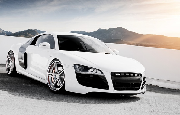 Картинка белый, небо, горы, Audi, ауди, тюнинг, суперкар, диски, tuning, передок, V10, в10