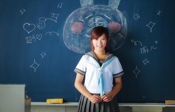 Картинка девушка, улыбка, рисунок, доска, школьница