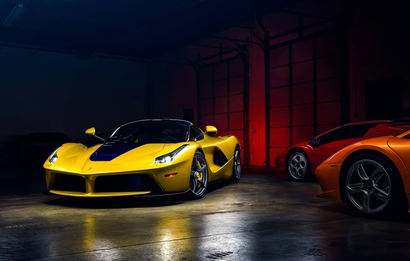 Картинка Light, Ferrari, Cool, Front, Color, Yellow, Supercar, Garage, LaFerrari