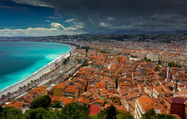 Картинка крыша, море, небо, горы, тучи, город, берег, Франция, дома, Ницца