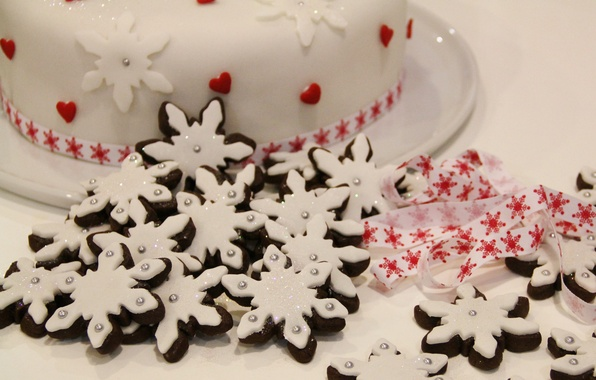 Картинка белый, снежинки, праздник, еда, печенье, Рождество, лента, сердечки, торт, Новый год, красивый, новогодний, Угощение, праздничный