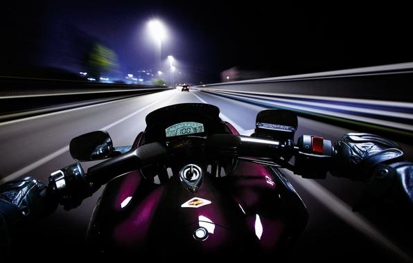 Картинка дорога, ночь, скорость, мотоцикл