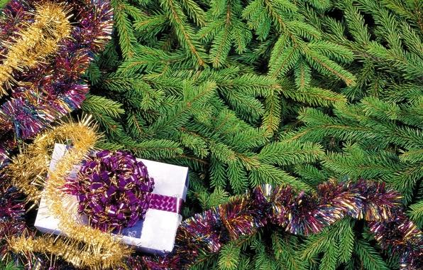 Картинка праздник, подарок, елка, новый год, мишура