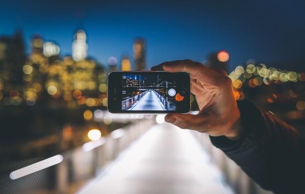 Картинка ночь, огни, фотография, iPhone, рука, Нью-Йорк, Манхэттен, боке, мол, городских, Соединенные Штаты