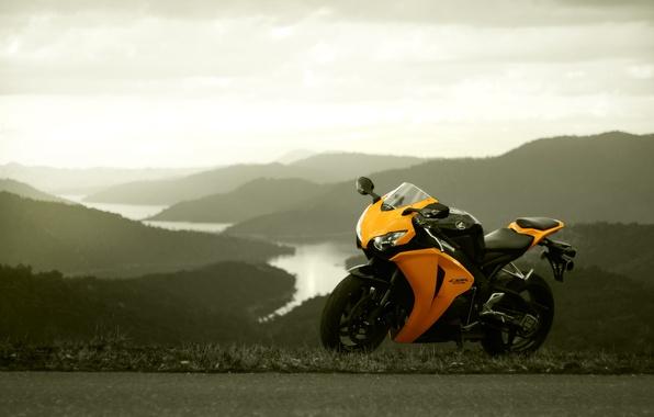 Картинка небо, жёлтый, honda, хонда, yellow, cbr1000rr, моцикл