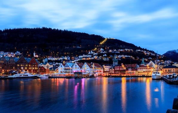 Картинка море, город, огни, здания, дома, лодки, вечер, причал, Норвегия, гавань, Norway, Берген, Bergen