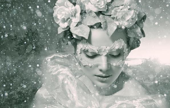 Картинка зима, девушка, цветы, стиль, настроение, розы, маска, чёрно-белая, венок, монохром