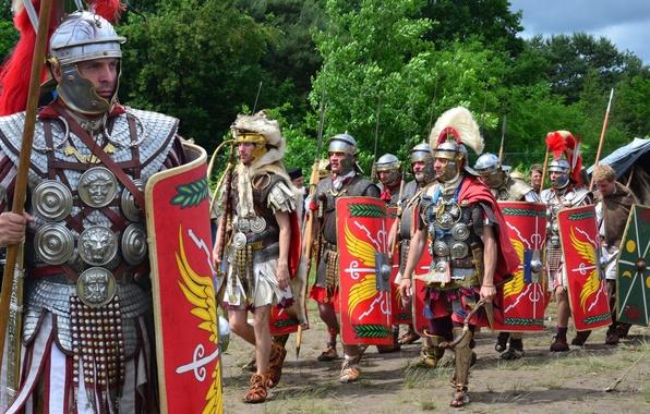 Картинка обувь, доспехи, мечи, щиты, дротики, шлемы, римские легионеры, военно-историческая реконструкция, туники