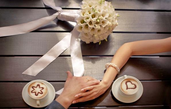 Картинка любовь, цветы, love, flowers, cup, romantic, couple, coffee, hands, bouquet, wedding