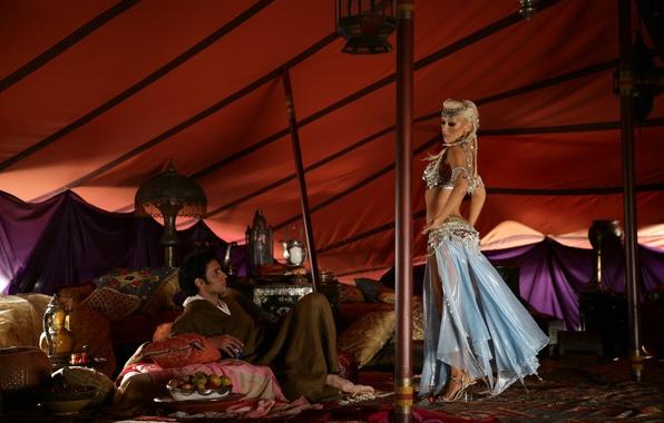 Картинка девушка, блондинка, мужчина, певица, Christina Aguilera, кристина агилера, знаменитость, танцует