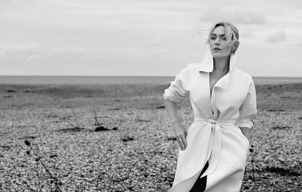 Картинка актриса, пустырь, черно-белое, плащ, фотосессия, Kate Winslet, Кейт Уинслет, InStyle, Giampaolo Sgura