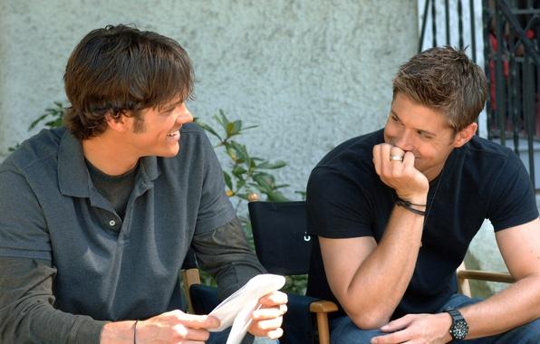 Картинка улыбка, часы, смех, актер, Supernatural, Jensen Ackles, Сверхъестественное, сэм, дин, Дженсен Эклс, jared padalecki, джаред …