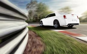 Картинка машина, белый, скорость, трасса, поворот, автомобиль, chrysler, крайслер