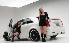 Картинка Девушки, блондинка и брюнетка, две красивые девушки, cadillac cts 2008, брюнетка в салоне, возле авто, …