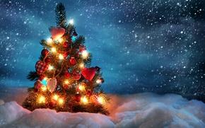 Обои зима, снег, украшения, шары, игрушки, ель, сердечки, ёлка, гирлянды, снегопад
