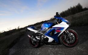 Картинка небо, облака, синий, мотоцикл, suzuki, bike, blue, сузуки, gsx-r1000