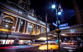 Картинка дорога, свет, машины, город, огни, люди, улица, здание, вокзал, Нью-Йорк, выдержка, фонари, указатель, USA, США, ...