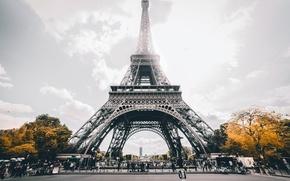 Картинка туристы, деревья, Париж, архитектура, Эйфелева башня, люди