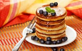 Картинка ягоды, еда, черника, тарелка, вилка, блинчики, оладьи