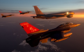 Обои «Файтинг Фалкон», истребитель, полет, F-16, многоцелевой, Fighting Falcon, небо, облака