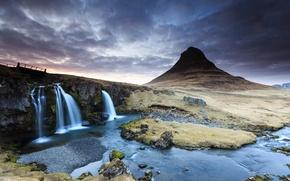 Картинка облака, закат, река, гора, водопад, весна, вулкан, Исландия, Kirkjufell