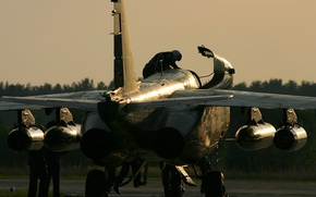 Обои закат, вечер, двигатели, украина, Пилот, Су 25