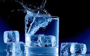 Картинка лед, вода, стакан, всплеск, кубики льда