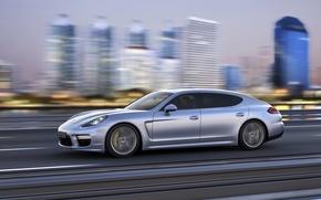 Картинка Авто, Город, Porsche, Машина, Серый, Panamera, Седан, Вид сбоку, В движении
